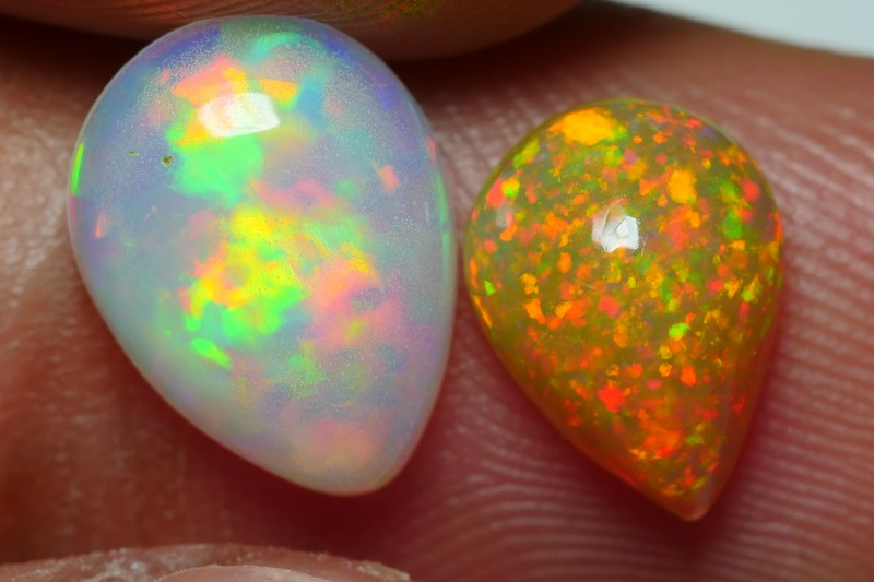 1.70 CRT GORGEOUS PAIR PIN FIRE PUZZLE BEAUTY COLOR WELO OPAL
