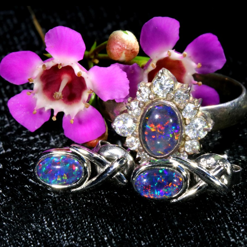 27.85 CTS OPAL TRIPLET SILVER JEWELRY SET-RING AND EARRINGS [SOJ6404]