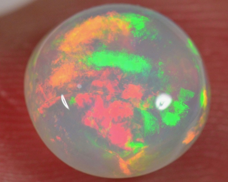 2.5 CT WELO OPAL CABACHON - VERY BRIGHT
