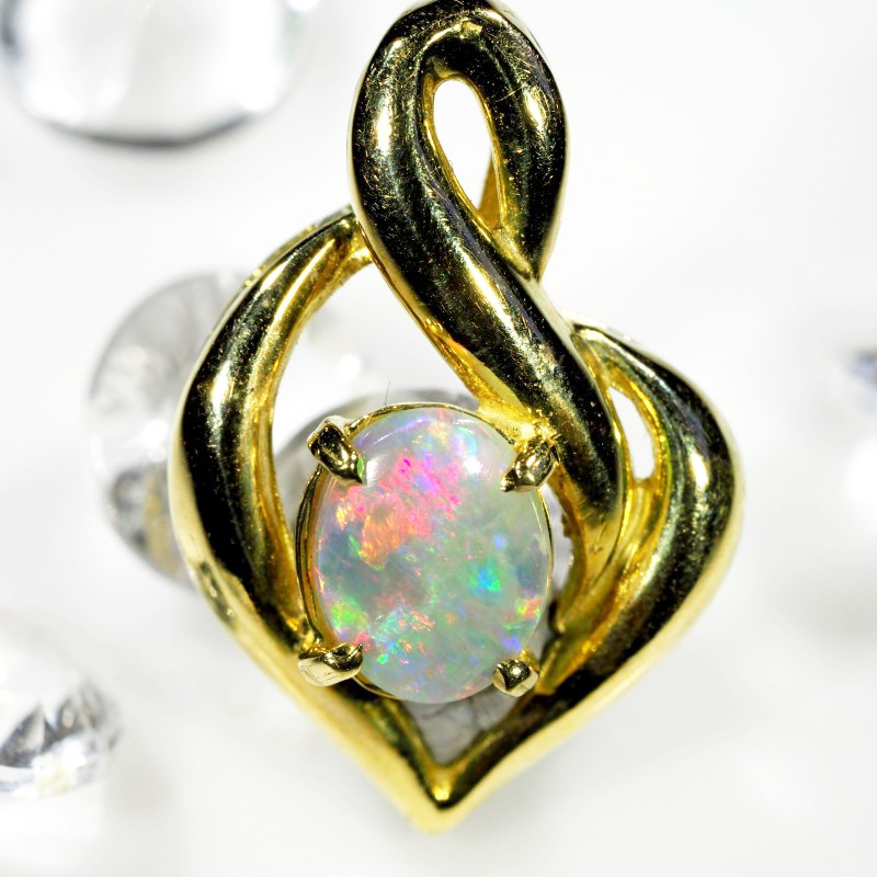 Heart Shaped 18K Gold Pendant Red Flash Black Opal SCO74