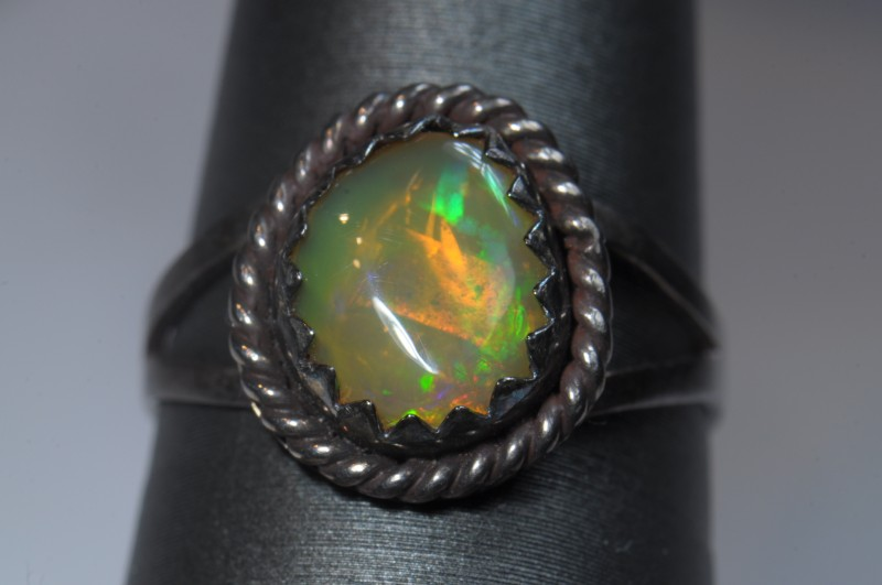 SOLID WELO OPAL HIGH QUALITY .925 STERLING FABULOUS RING