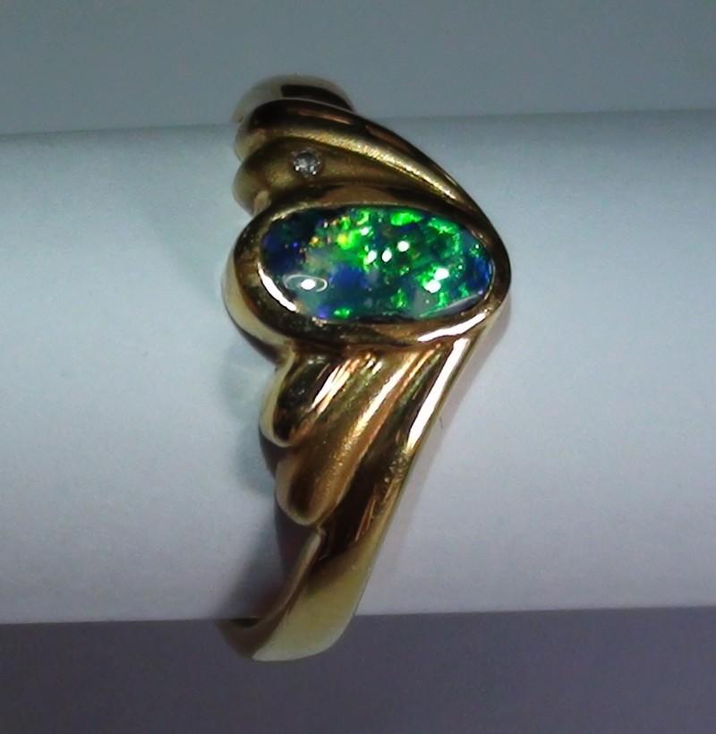 16.85 ct 18k Solid Gold Gem Boulder Opal Diamond Ring