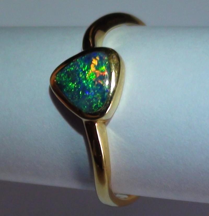 11.0 ct 18k Solid Gold Gem Boulder Opal Ring