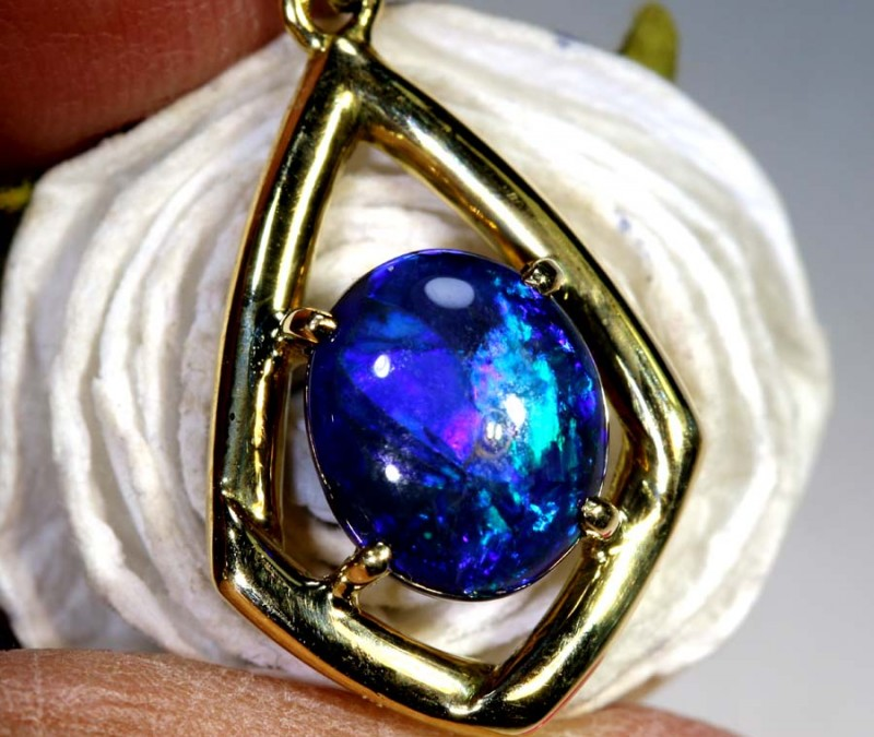 11.85-CTS OPAL 18K GOLD PENDANT OF-2355