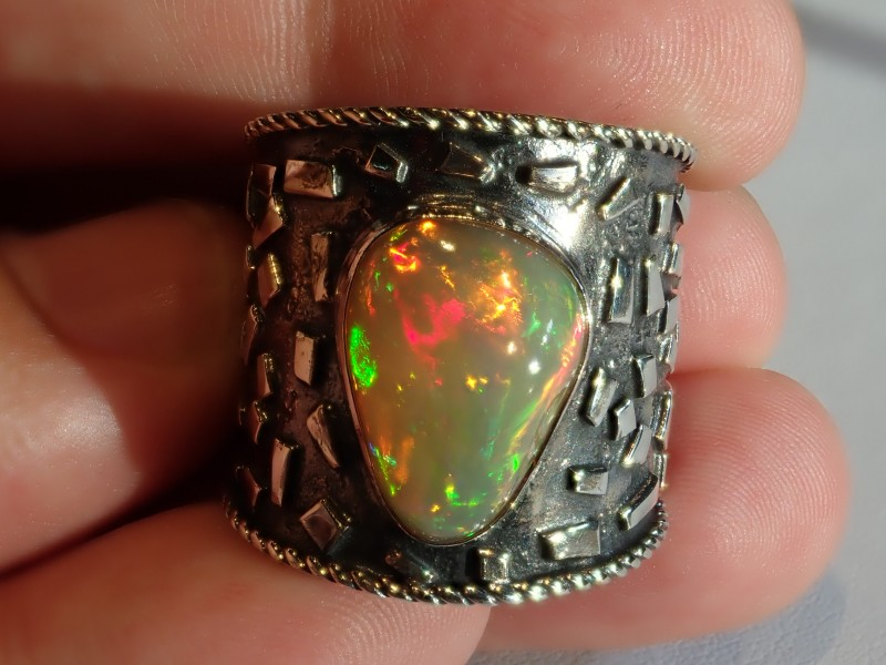 Sz11 ETHIOPIAN SOLID CRYSTAL OPAL HIGH QUALITY .925 STERLING FABULOUS RING