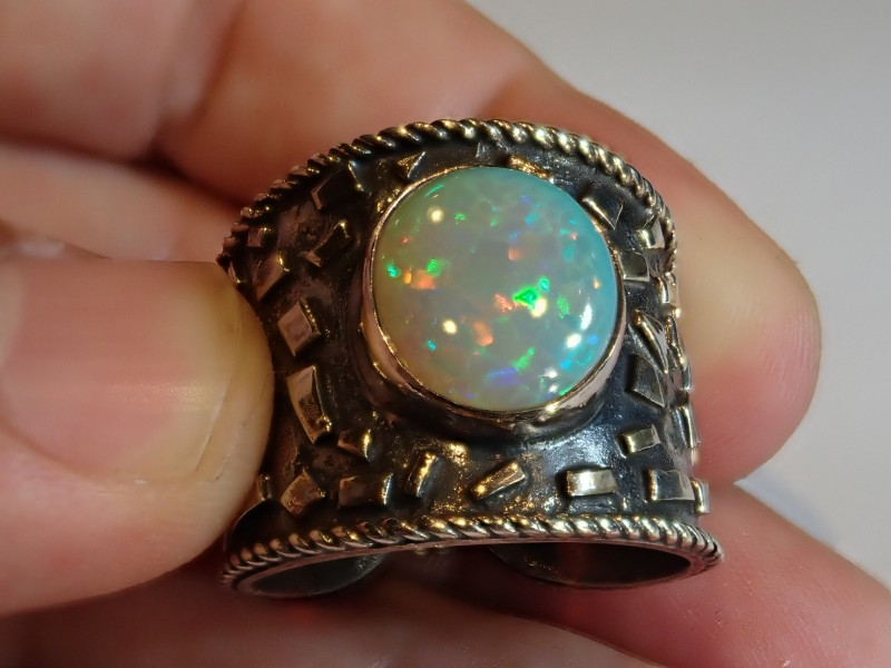 Sz11.5 ETHIOPIAN SOLID CRYSTAL OPAL HIGH QUALITY .925 STERLING FABULOUS RIN