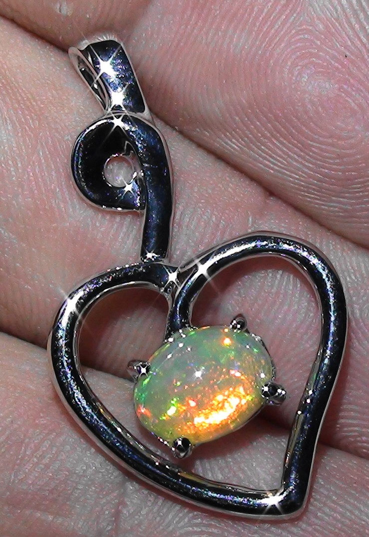 18.50 ct Stunning Modern 925 Silver Solid Welo Opal Pendant