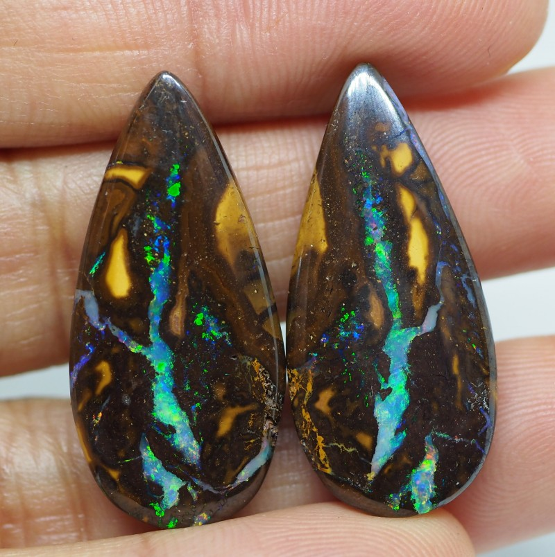 38.75CT VIEW PAIR QUEENSLAND BOULDER OPAL  TT803