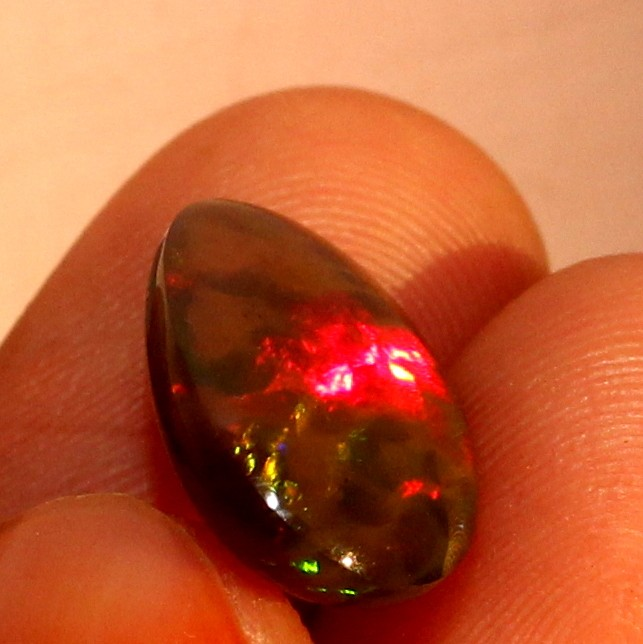 3.00 Crt Natural Welo Fire Ethiopian Smoked Opal Cabochon 1023