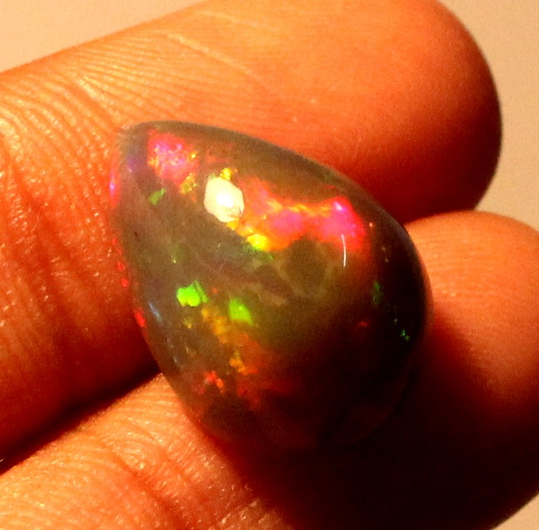 5.75 Crt Natural Fire Ethiopian Smoked Opal Cabochon 1034