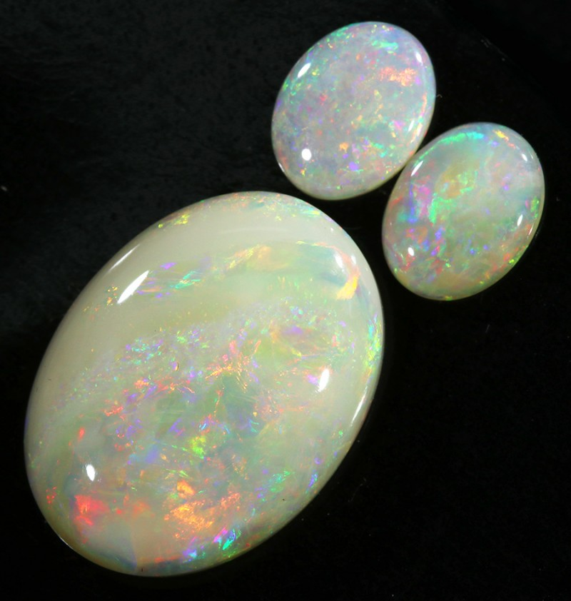 13.26CTS SET 3 STONES PARCEL COOBER PEDY -GREAT COLOR PLAY -S899