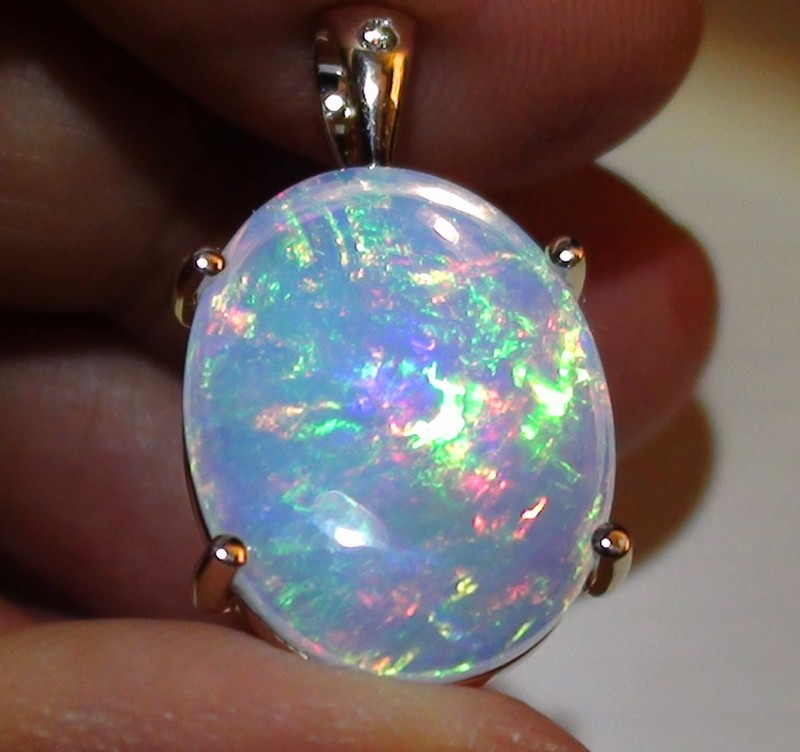 11.05 ct 10k Solid Gold Pendant With Top Gem Color Welo Cab Opal