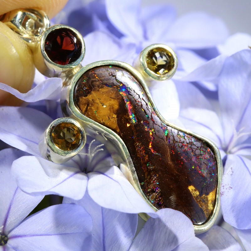 41.00 CTS SILVER  BOULDER OPAL WITH GARNET AND CITRINE[SOJ6468]