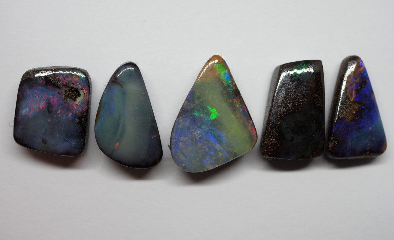 23.10CT QUEENSLAND BOULDER OPAL  NN51