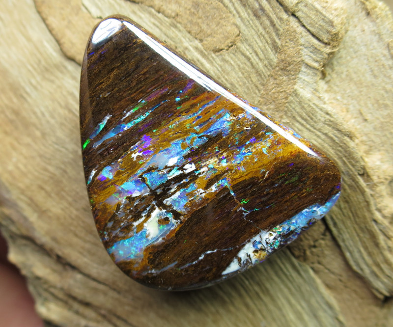 new wood opal from yowah.