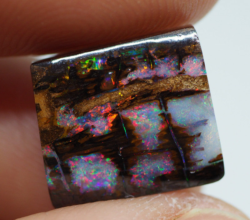 7.75CT VIEW  WOOD REPLACEMENT BOULDER OPAL  NN134