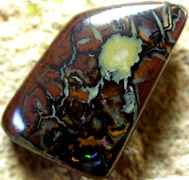 10.00 CTS AUSTRALIAN COLOR AND PATTERN KOROIT STONE  FJP902