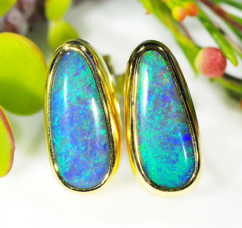GORGEOUS SHIMMER FIRE CRYSTAL 18K GOLD EARRING 4.1CTS SCA143