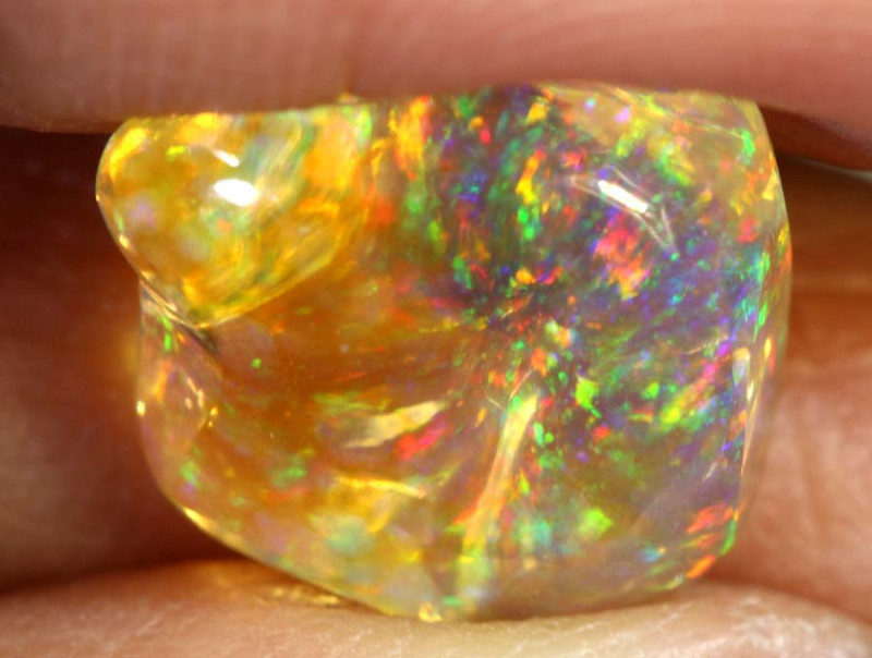 3.6-CTS MEXICAN  FIRE OPALS CARVING   FOB-1741