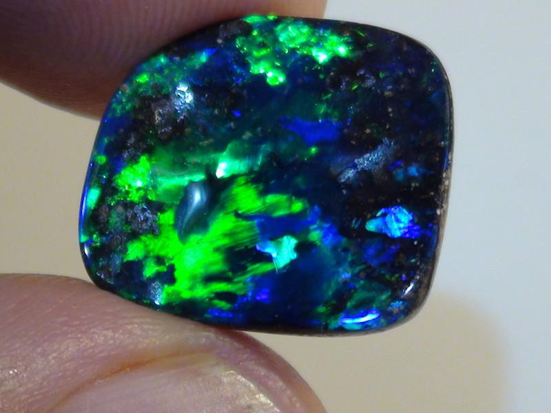 8.65 ct Top Gem Quality Boulder Opal *