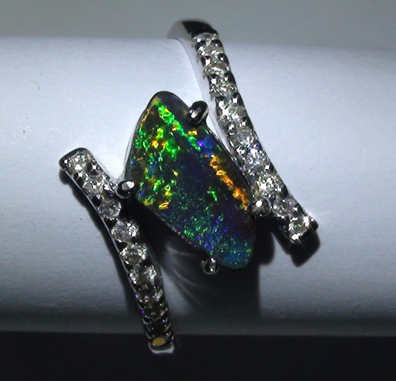 14.15 ct 18k Solid Gold Gem Boulder Opal Diamond Ring *