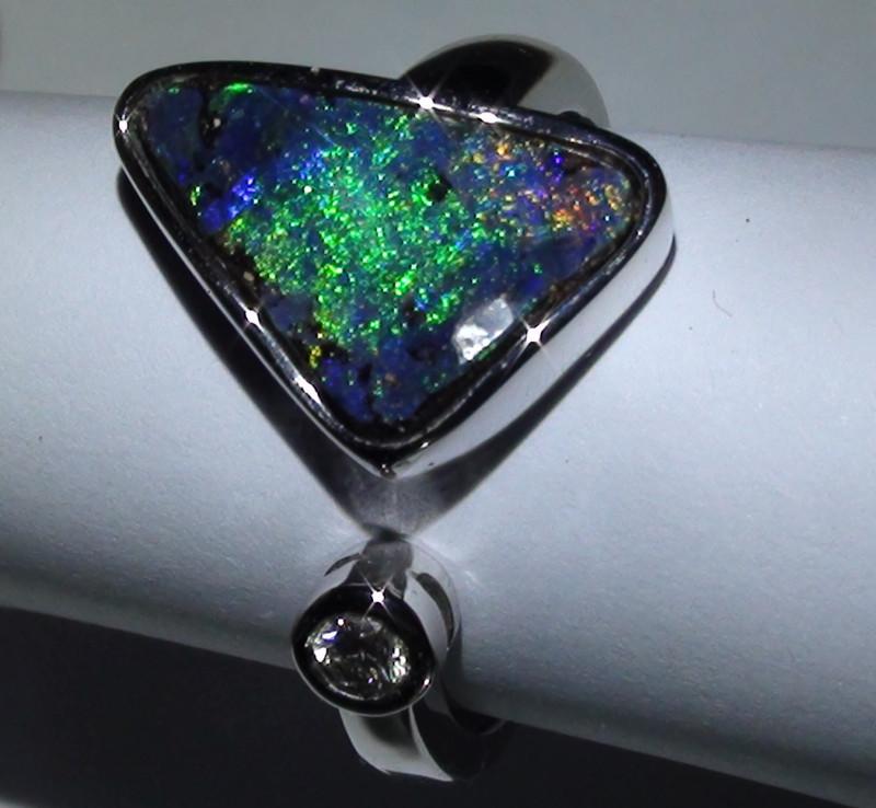 28.35 ct 18k Solid Gold Gem Boulder Opal Diamond Ring *