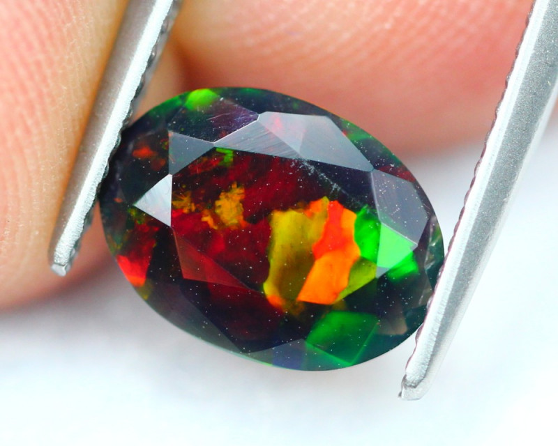 1.01Ct Welo Broad Flash Pattern Ethiopian Welo Smoked Faceted Opal B0982