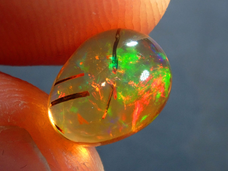 1.63ct Mexican   Multicoloured Fire Opal
