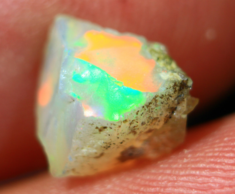 NR   Cts1.80      FC 402   Rough Ethiopian Wello Opal      Gem Grade