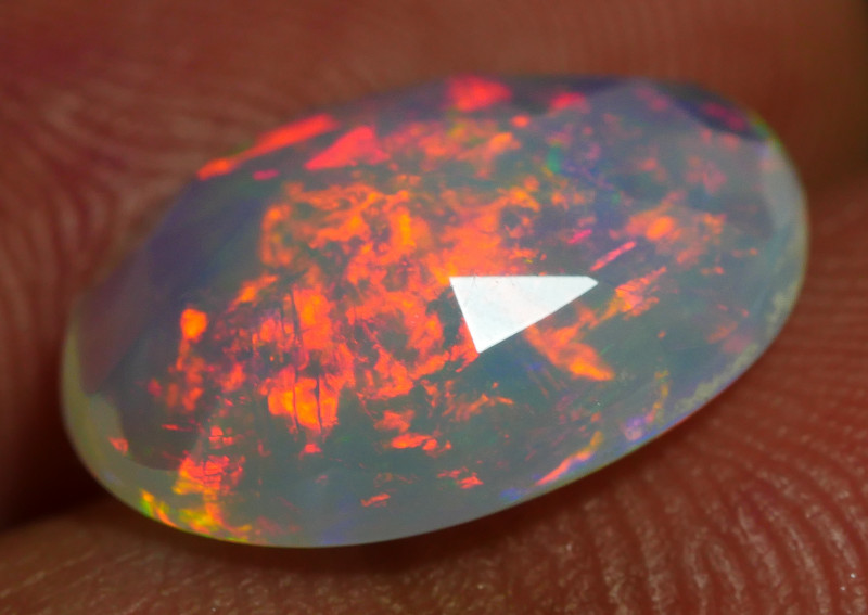 3.25 CRT FACETED GORGEOUS PEACOCK FLOWER FIRE WELO OPAL*