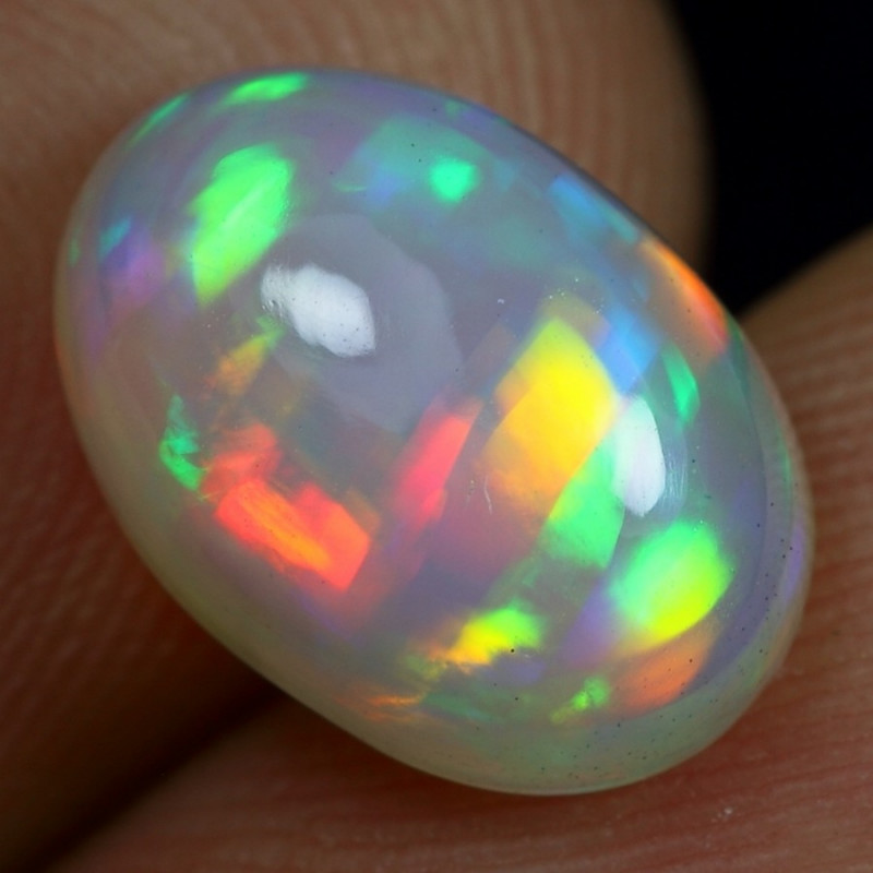 3.25cts Extremely Rainbow Ribbon Pattern Ethiopian Opal