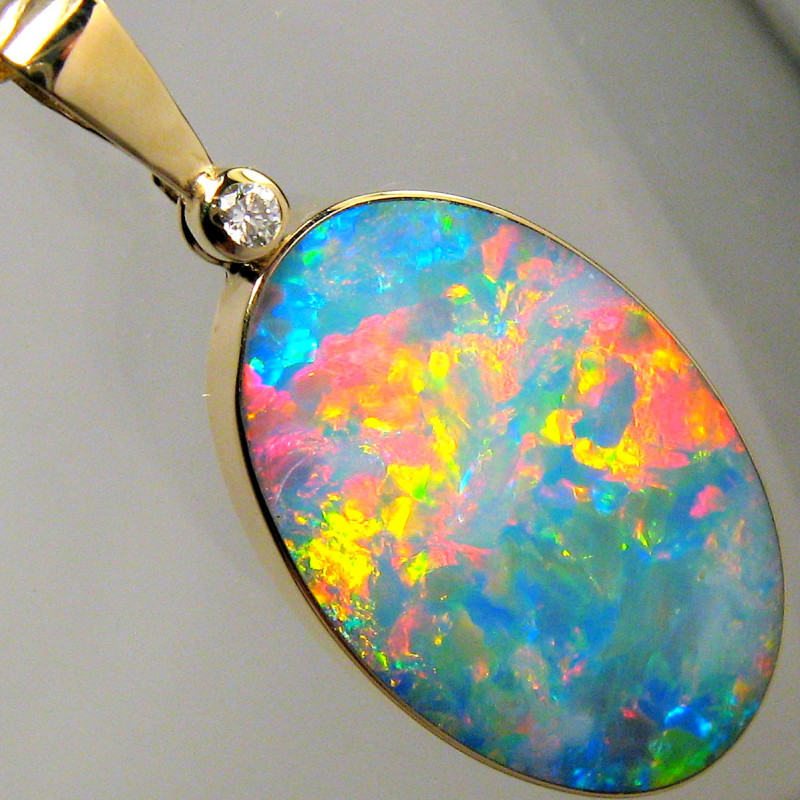 10.6ct 14k Gold Australian Gem Opal & Diamond Pendant Jewelry Necklace