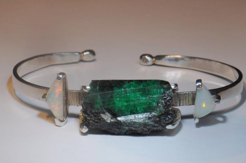 7 inches Shakiso Emerald / Welo Opals Mans Bracelet Unique Stones