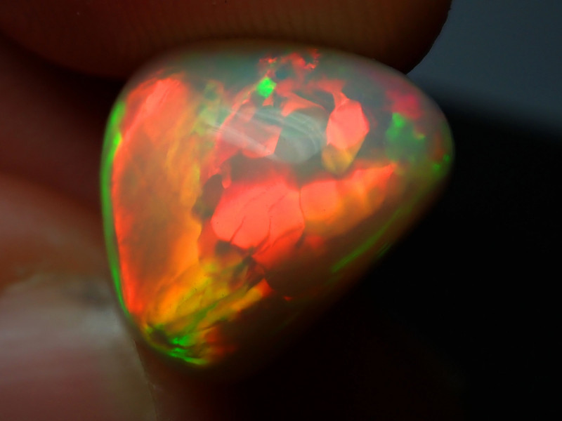7.5ct Fully Saturated Dazzling Welo Solid Opal