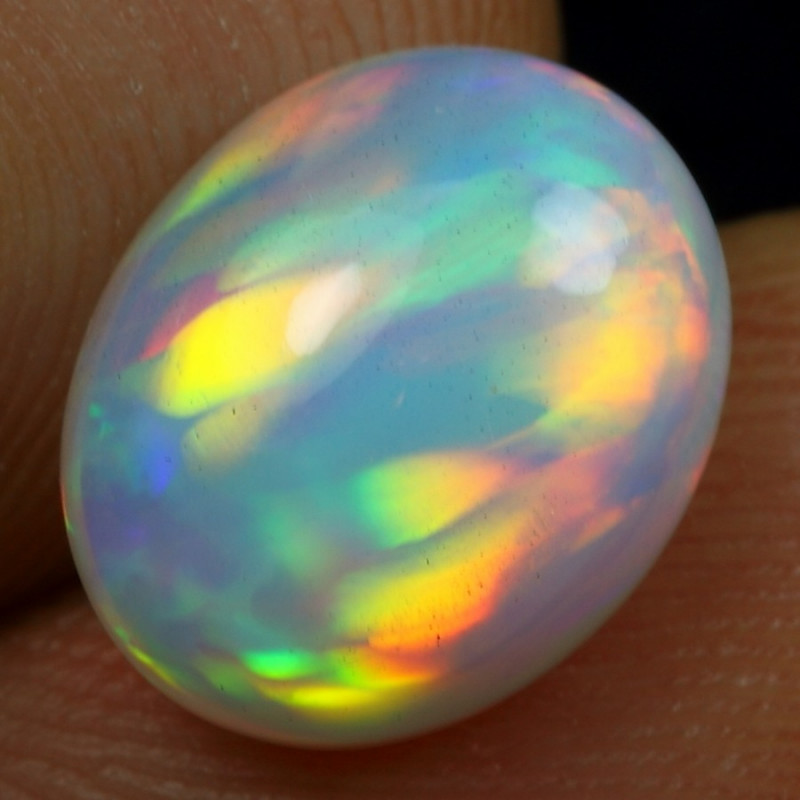 2.70cts Strong Rainbow Parrot Feather Natural Ethiopian Welo Opal