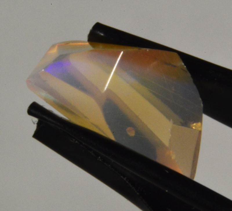 Freeform facet Ethiopian Opal  2.35 Cts. (CV20L9 )