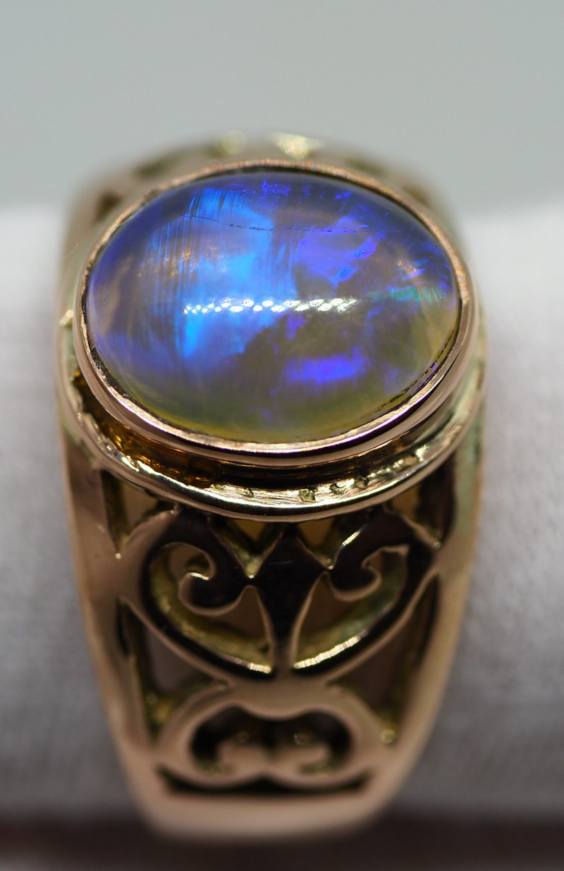 31.30CT 9CT GOLD OPAL RING WITH CRYSTAL OPAL RE501