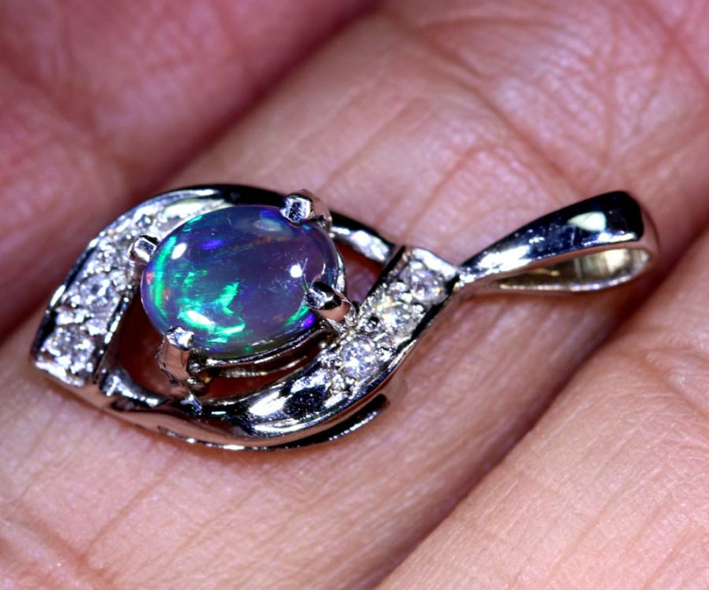 8.20 CTS  BLACK OPAL GOLD PENDANT OF-2532