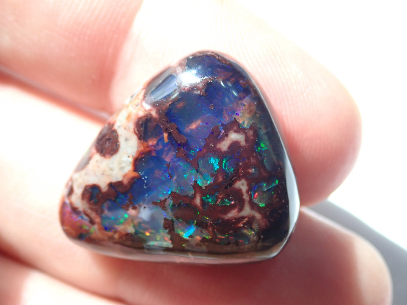 27 cts Mexican Matrix Cantera Multicoloured Fire Opal