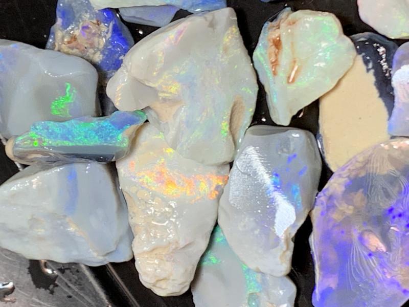 230 CTs Cutters Grade; Lightning Ridge Rough/Rub Opals,#442