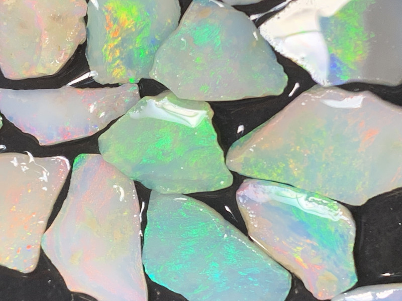 42 CTs Inlay material; Beautiful White Cliffs Opals#461