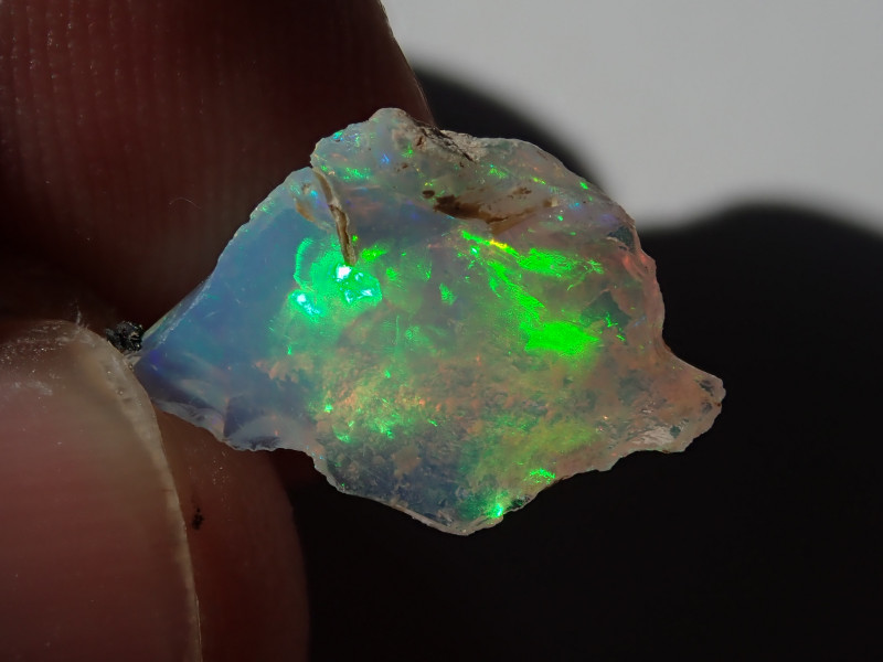 1.83 cts Blazing Welo Solid Cutting Rough  PinFire Opal