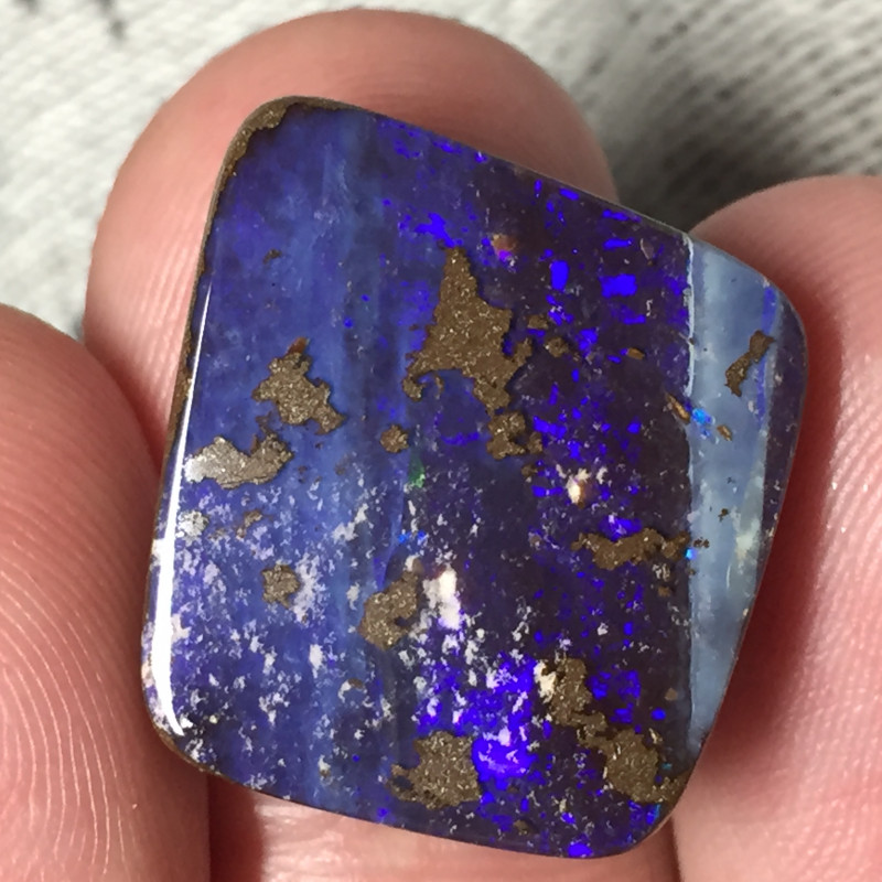 20,76 cts - Boulder opal stone from Winton - TA14