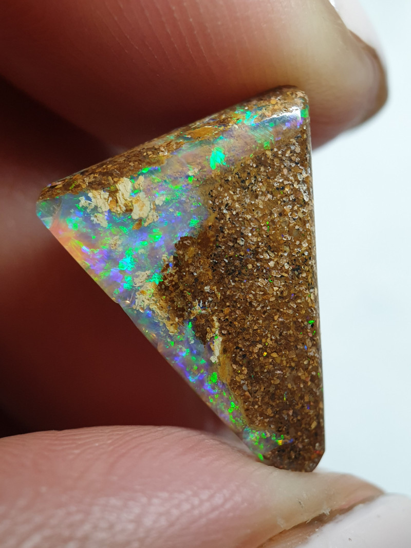 7.30 cts Boulder Pipe Crystal Opal B108