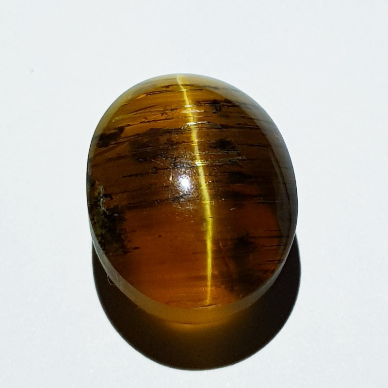 11.05 ct  Natural Honey Color Oval Cabochon Opal Cat's Eye