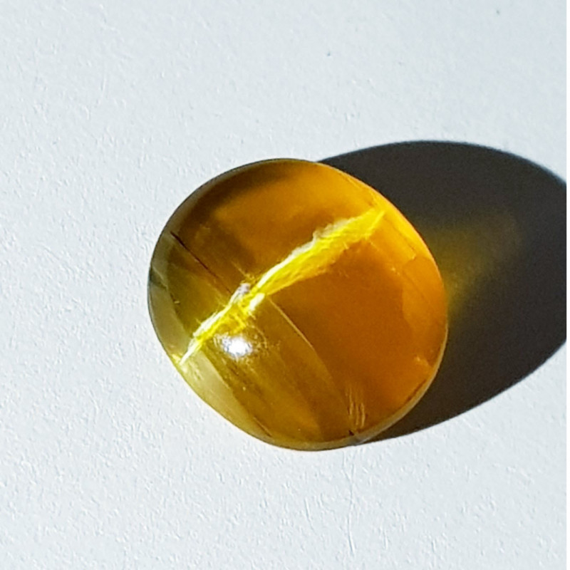 5.15 ct  Natural Honey Color Oval Cabochon Opal Cat's Eye