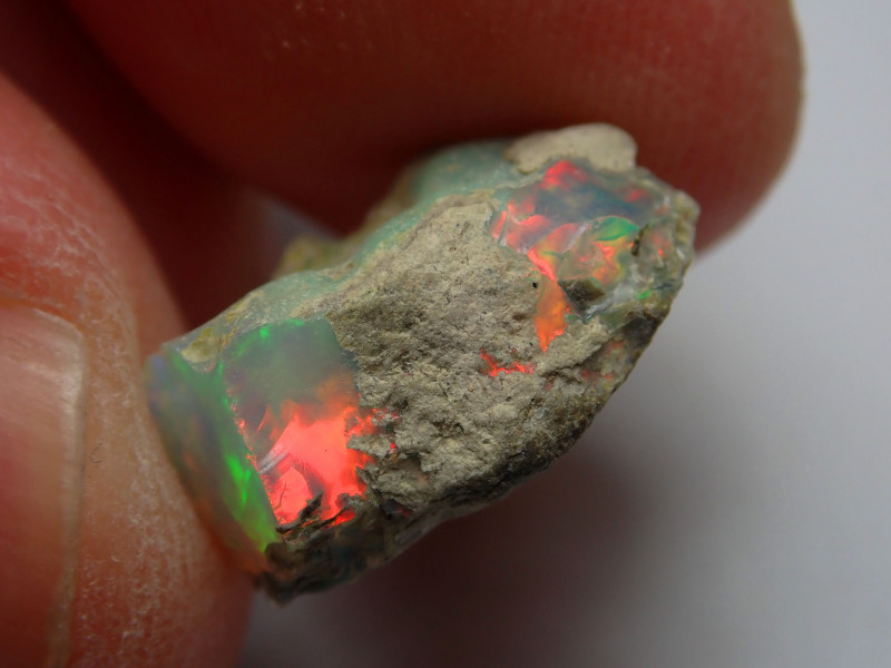 Cutting Rough Opal / Ethiopian Solid Material