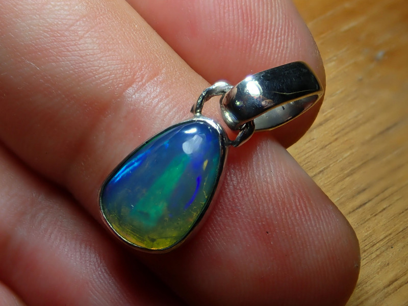 10.05ct. Sterling Silver Blazing Welo Solid Opal Pendant