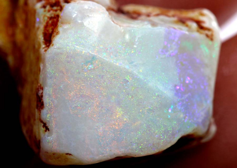 6.85 cts -WHITE OPAL ROUGH   DT-4154