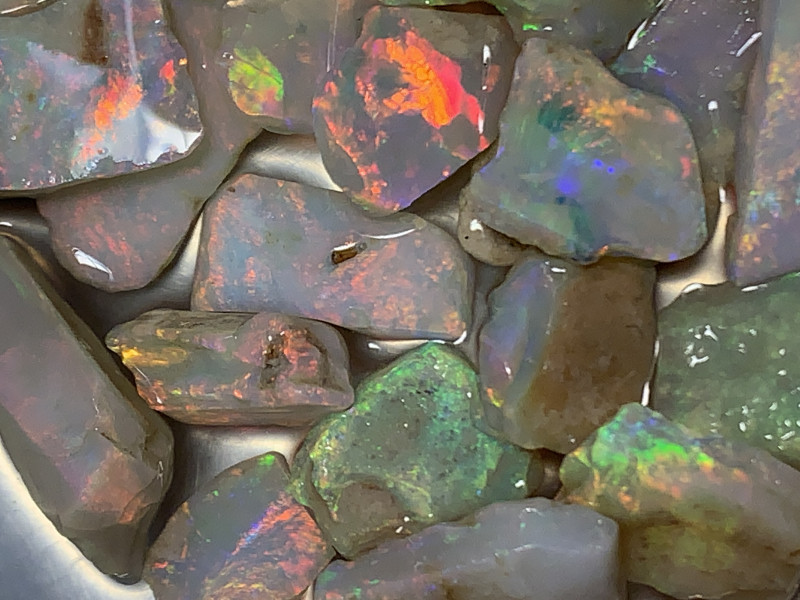 105 Cts CUTRERS GRADE ROUGH; High End White Cliffs Rough Opals,#799